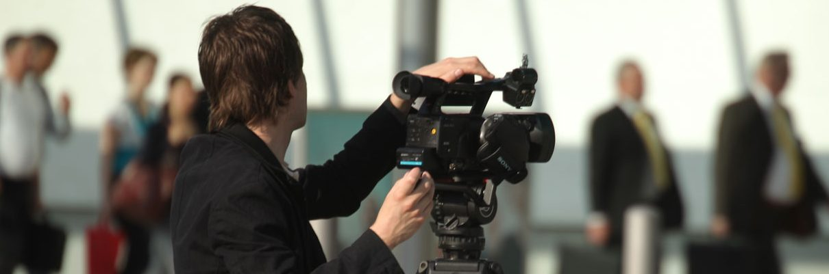 Kameramann bei Dreharbeiten